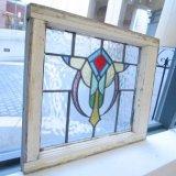 カラフルで印象的なデザインのイギリスアンティークステンドグラス